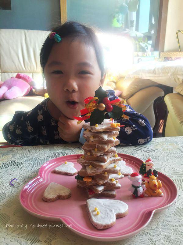 〔親子廚房〕一起來做餅乾聖誕樹!手殘也能DIY~