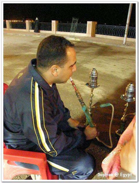 【Egypt埃及】夜深人靜時,來哈管煙吧?!
