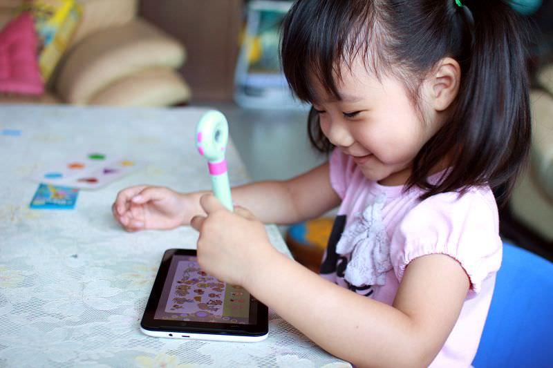 【推薦】Mozbii萌奇筆。全球第一款兒童吸色觸控筆